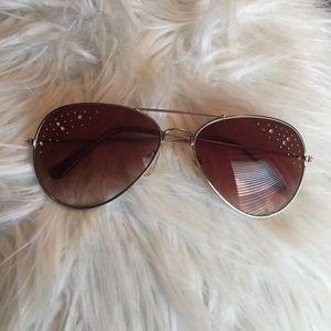 Aviator sunglasses with jewels